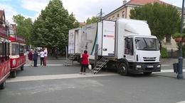 Kamionban szűrnek a Kossuth téren