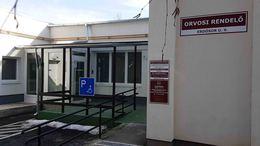 Megújult rendelőben várják a kis betegeket az Erdősor utcában