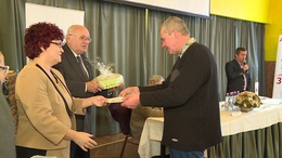 A többszörös megyei véradókat jutalmazta a Vöröskereszt