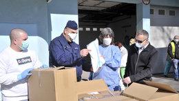 Kórházak, rendőrök és honvédek is kaptak újabb védőfelszerelést
