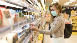 Komolyabb bírságot kaphat, aki nem visel maszkot a boltban