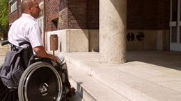 Akadálymentesített környezet a fogyatékossággal élőknek a balatonőszödi volt kormányüdülőben