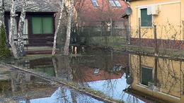 Földek, házak víz alatt