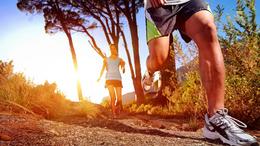 Hódít a különleges futócipő