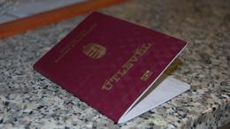 Holtnak hitték, útlevelet igényelt