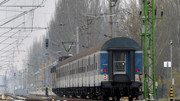 Vonatpótlók járnak áprilistól a déli parton