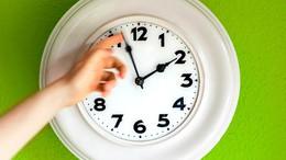 Eltörlik az óraátállítást?