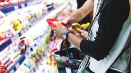 Csökkenhet az idősek idősávja a boltokban
