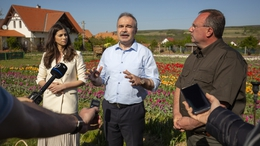 Agrárminiszter: a virágvásárlással sok munkahely megmenthető