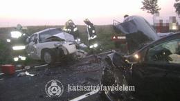 Súlyos balesethez vonultak a siófoki tűzoltók