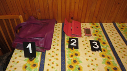 Pincékre és női táskákra szakosodott