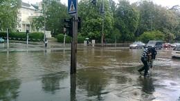 Folyóként hömpölygött az eső Kaposvár utcáin