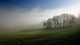 Köd és napsütés harca