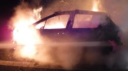 Lángolt egy személyautó a sztrádán