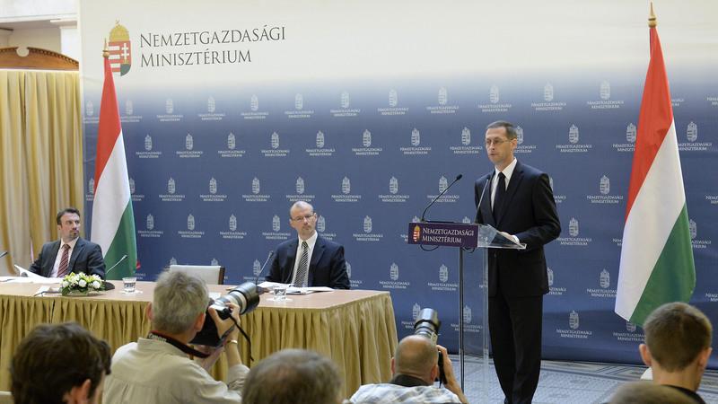 Varga Mihály (Fotó: MTI)