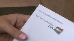 A nemzeti konzultáció határidejének meghosszabbítását kéri a Fidesz