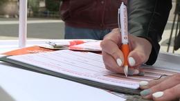 Gyűjtik az aláírásokat