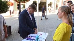 Gelencsér Attila is aláírta a petíciót