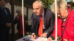 """Egyre többen írják alá a """"Stop, Gyurcsány! Stop, Karácsony!"""" petíciót"""