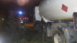 Árokba csúszott egy PB gázt szállító teherautó Kaposhomokon