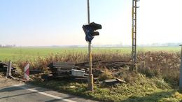 Eltűnik egy vasúti átjáró a környékről