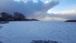 Jégen érte a hóvihar a fotóst