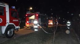 Szalmabálák miatt égett porig a lakóház