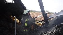Lángolt egy lakóház a Kőröshegyen