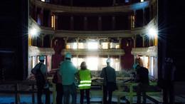 Szombaton Ön is megnézheti a szétbombázott színházat