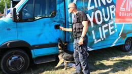 Kutyákkal és drónnal járták be a zsaruk a Balaton Sound-ot