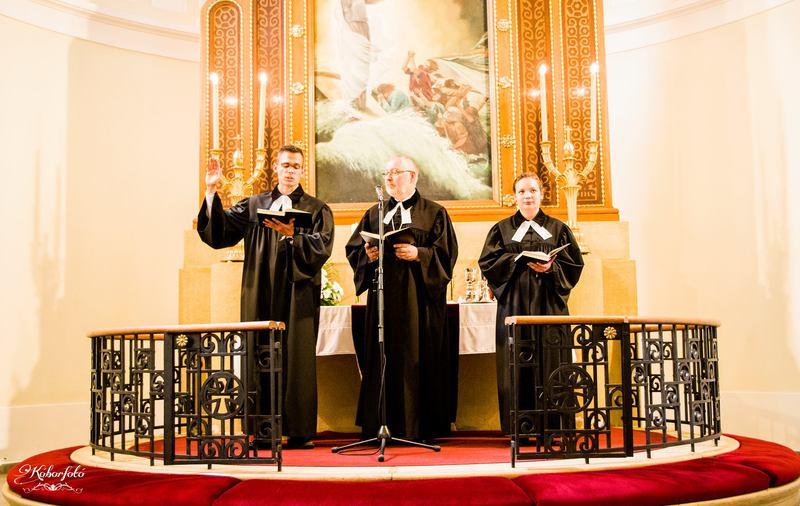 Lelkészavatás a Kaposvári Evangélikus Templomban