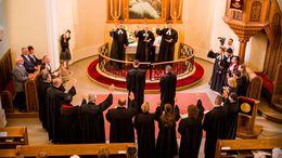 Két új lelkészt avattak az evangélikus templomban