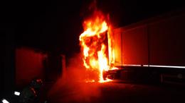 Lángolt a kamion