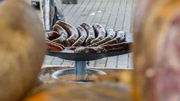 A hurka mellett a süti is szépen fogyott a Nagypiacon