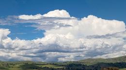 Meleg, labilis levegő alakítja időjárásunkat