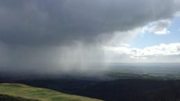 Esők, zivatarok kíséretében hidegfront vonul át felettünk