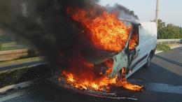 Két kigyulladt autót is oltottak a somogyi katasztrófavédők