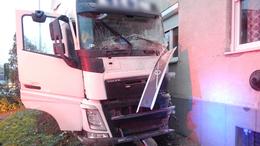 Társasházba rohant egy kamion Marcaliban