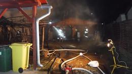 Melléképületek lángoltak Balatonszemesen