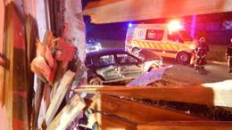 Házfalnak csapódott egy autó Somogysámsonban