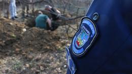 Elásott holttestet találtak a rendőrök