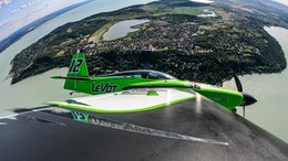 Már a Balaton felett repkednek az Air Race indulói