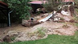 Megcsúszott a talaj, összedőlt a melléképület