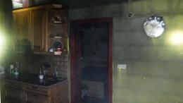 Kigyulladt egy garázs, a tűz a házra is átterjedt