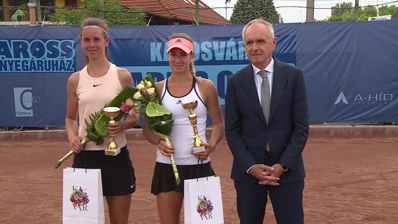 A döntőt követően Szita Károly adta át Kaposvár Ladies Open díjait és ajándékcsomagait.