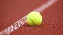 Az Iszák utcai salakos pályákon is beindult a teniszélet