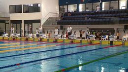 Tizenkét egyesület fiataljai a vízben