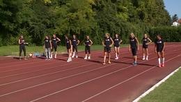 Edzésben a röpis lányok