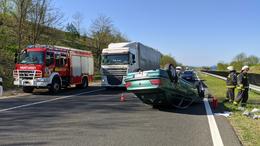 Fejtetőn landolt a Peugeot