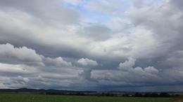 Változékony, szeles, őszre emlékeztető idő várható vasárnap